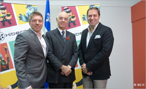Picture :  Frédérick Faubert (left), Founder and President of Hibernum Creations, Jacques Daoust, Minister of the Economy, Innovation and Export, and Louis-René Auclair, Vice President and Chief Brand Officer