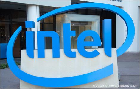 Logo d'Intel devant le siège social de l'entreprise, à Santa Clara, en Californie.