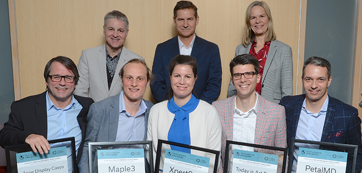Photo of Daniel Gélinas, 1st Vice-President of the CCIQ Board of Directors, Luc Régnier, Regional Director, Capitale-Nationale, Investissement Québec, Diane Bélliveau, Chair of the Organizing Committee and Master of Ceremonies, and the five finalists for the Québec International Impact Awards