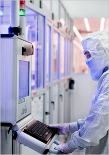 Photo of Technician in a C2MI research lab