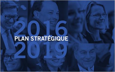 Photo d'employés d'Investissement Québec et texte indiquant Plan stratégique 2016-2019