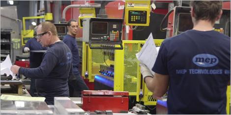 Photo d'employés de l'entreprise MEP Technologies