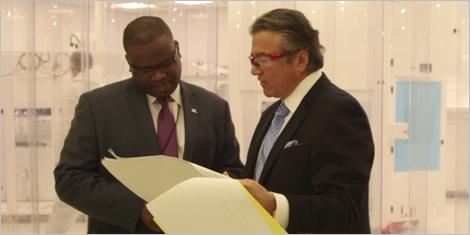 Photo de Jean-Roland Prophète, directeur de portefeuille principal, et d'Armand Afilalo, président de MEP Technologies