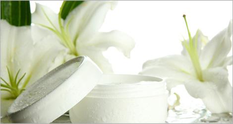 Photo d'un pot de crème (produit de beauté)