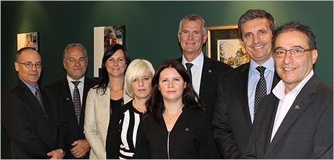 Le PDG d'Investissement Québec avec des membres de la Direction régionale du Sud-Ouest du Québec