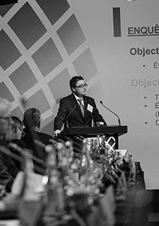 Photo d'Éric Dequenne au Forum des dirigeants de filiales de sociétés étrangères, à Québec