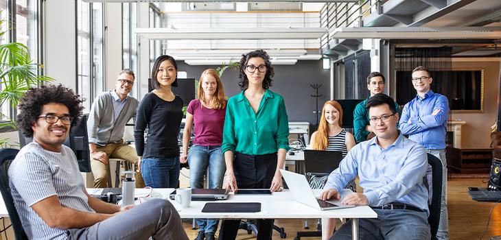 Photo de jeunes professionnels d'une entreprise