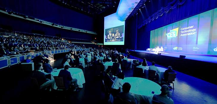 Photo de participants au CES à Las Vegas