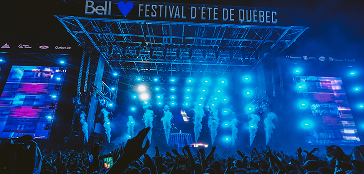 Photo of a scène of the Festival d'été de Québec. Photo credit: Solotech.