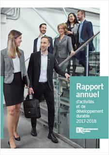 Photo d'employés d'Investissement Québec, logo d'Investissement Québec et texte indiquant « Rapport annuel 2017-2018 »