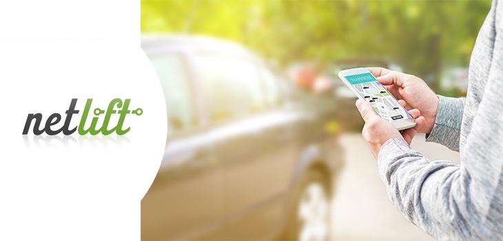 Logo de Netlift et photo d'une personne tenant un téléphone intelligent à côté d'une voiture