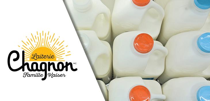 Image de contenants de lait en plastique et logo de la Laiterie Chagnon