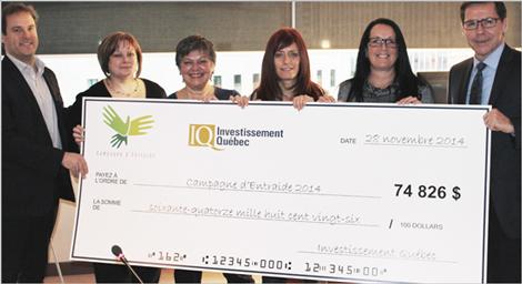 Quelques membres du comité responsable de la campagne d'Entraide 2014 d'Investissement Québec.