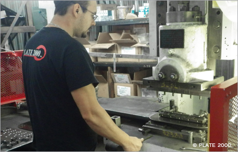 Photo d'un employé de Plate 2000 au travail. Crédit photo: Plate 2000